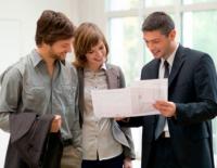 Salariu mediu de agent imobiliar: 10.000 dolari/lună. Condiţia: o pregătire extrem de bună.