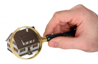 Clienţii care ezită, cumpără locuinţe mai scumpe. Află care este explicaţia.