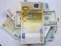 Euro, cel mai mic nivel al ultimelor patru săptămâni