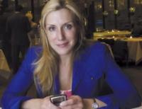 Dolly Lenz - consultantul imobiliar cu cele mai multe tranzacții imobiliare din Statele Unite ale Americii, în ultimii 15 ani, estimate la peste opt miliarde dolari