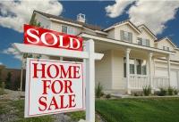 Averi din imobiliare: câţiva investitori vând mii de apartamente, în timp ce alţii pierd tot