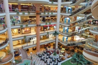 Europa se umple de malluri. Apetitul pentru consum motivează investitorii