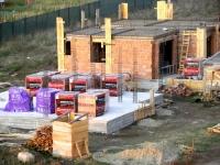 Ce alegem, pentru construcția unei case: structura de lemn, beton sau metalică?