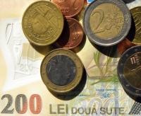 Moneda națională, stabilă de luni bune. Leul a ignorat chiar și campania electorală