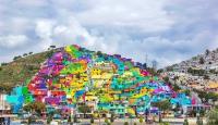 Curcubeu mural: peste 200 de case au fost reabilitate la exterior, cu ajutorul graffitiului (FOTO)