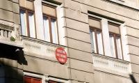 Bulina roșie nu sperie cumpărătorii. Clădirile cu risc seismic, atractive datorită ...