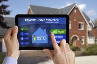 Sistemele de control la distanță: îți protejează locuința de hoți, incendii, inundații ...