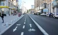 Lucrări ilegale, executate de autorități: trotuarele de pe Calea Victoriei, amenajate fără ...