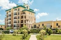 Amplasat în apropiere de Șoseaua de Centură, între podurile din Pipera-Tunari și Andronache-Ștefăneștii de Jos, complexul Cosmopolis urmează să aibă 500 de noi apartamente și vile, precum și un nou centru comercial.