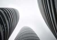 """China interzice clădirile cu arhitectură """"ciudată"""""""