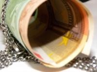 Dolarul pierde teren, pe toate fronturile. Euro se apreciază, în raport cu leul