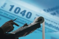 Taxe notariale mai mici cu 90% pentru darea în plată: ultima zi de înscriere la dezbateri