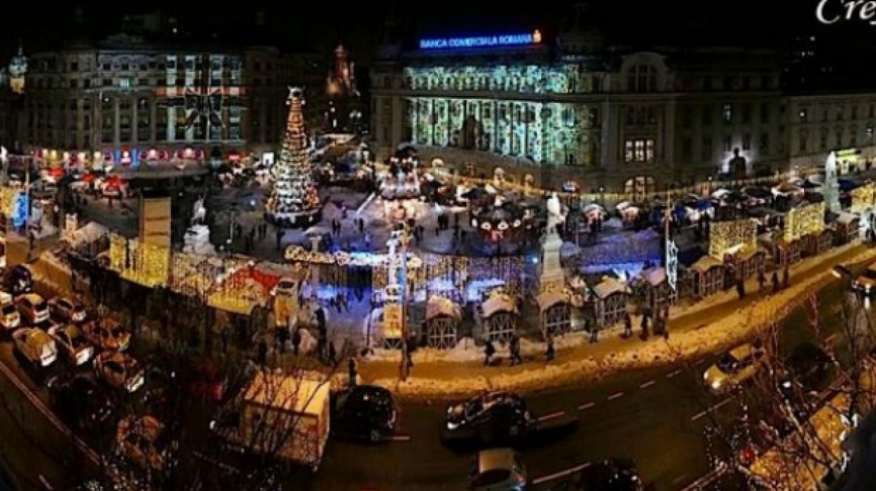 sursa foto: https:/www.romaniatv.net/targul-de-craciun-din-bucuresti-deschis-vineri-in-piata-universitatii_258682.html