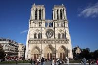 sursa foto: http:/yallabook.com/guide/en/show.php?nid=624&notre-dame-cathedral-paris