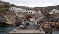 sursa foto: https:/www.latimes.com/world/europe/la-fg-greek-island-seeks-young-families-20190606-story.html