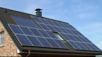 sursa foto: https:/www.observatordetimis.ro/2019/04/10/de-miercuri-romanii-pot-cere-25-000-lei-de-la-stat-pentru-a-si-lua-panouri-solare-electrice/
