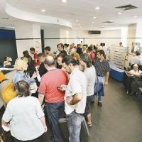 Prima Casă: băncile oferă condiţii care-i sfidează pe vechii clienţi